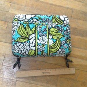 Vera Bradley mini laptop hard case